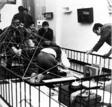 sur la chaise Bernard Venet, Galerie A octobre 1966