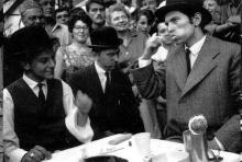 Georges Maciunas, Robert Bozzi et Ben à la terrasse du Provence